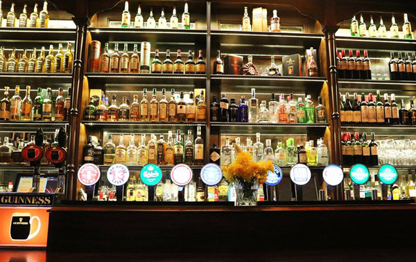 https://thebedford.ie/wp-content/uploads/2020/08/out-about-drinks-anyone600x379.jpg