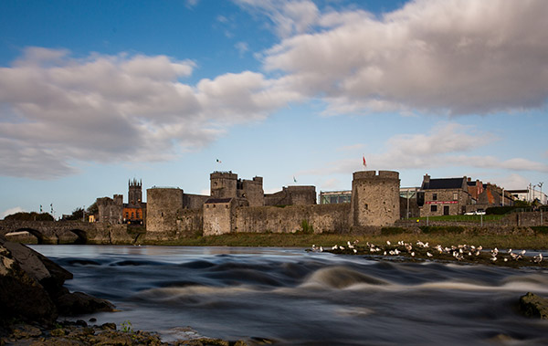 https://thebedford.ie/wp-content/uploads/2020/08/out-about-visitor-experiences-limerick-city600x379.jpg